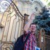 Gabriel Lâlă într-un tur prin oraș. Arhiva personală.